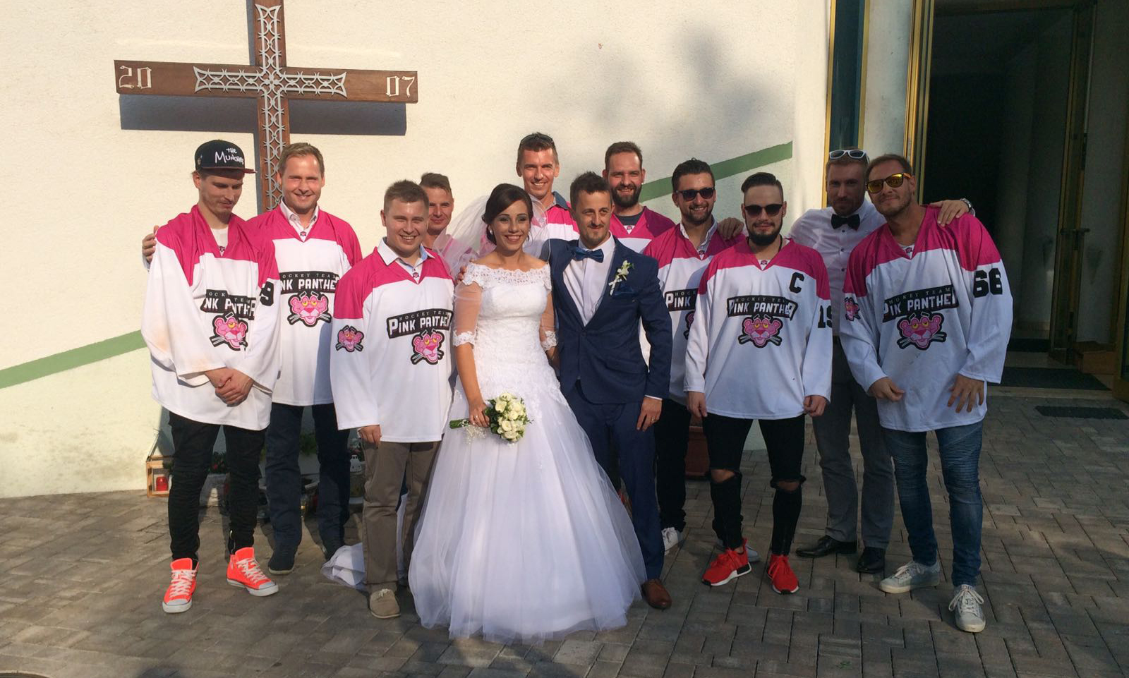 http://pinkpanther.sk/wp-content/uploads/2016/11/ciro-svadba-2.jpg